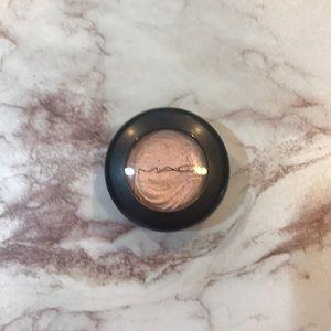 2 for $16💕 MAC extra dimension eye shadow